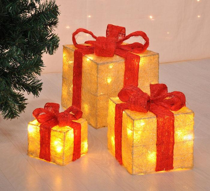 podświetlane prezenty pod choinkę